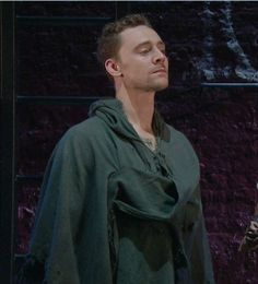 Tom's 'wait until I get you alone' face does things to me.
