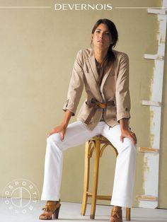 LOOKBOOK DEVERNOIS PRINTEMPS/ETE 2015 - Coup de cœur pour cette veste saharienne. Sa ceinture cuir marque la taille et apporte un côté baroudeuse chic ! #vestesaharienne #ceinturecuir #onladore www.devernois.com