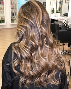 Long Wavy Ash-Brown Balayage - 20 Light Brown Hair Color Ideas for Your New Look - The Trending Hairstyle Brown Hair Balayage, Brown Blonde Hair, Brunette Hair, Ombre Hair, Caramel Balayage, Caramel Highlights, Brunette Color, Brown Hair With Highlights And Lowlights, Hair Highlights
