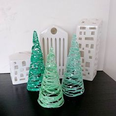 Juletræer - DIY - kreativ med børn - Home by Bianca gave - Best Pins How To Make Christmas Tree, Christmas Crafts For Toddlers, Christmas Tree Cards, Kids Christmas, Holiday Crafts, Crafts For Kids, Clay Christmas Decorations, Diy Christmas Ornaments, Paper Flowers Craft