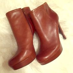 """Brown """"Livv"""" Booties by Gianni Bini NWT Brown Booties by Gianni Bini. These leather booties with side Zipper and were purchased at Dillards but they fit too tight on me. The scuffs you see are normal leather marks, which will continue to happen as you wear them. You can also have these polished to remove the leather marks. Gianni Bini Shoes Ankle Boots & Booties"""