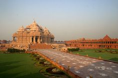 Akshardham Temple is surely around the lovely made edifices arranged inside the heart of India - Delhi. The sanctuary is magnificently spo. Holiday Destinations, Travel Destinations, India Tour, Largest Countries, Tour Operator, India Travel, Incredible India, World Heritage Sites, Beautiful World