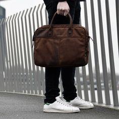 b2b5024eec5 40 beste afbeeldingen van Leren herentassen   Leather men's bags in 2019
