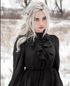 Everything ccdm: Photo Gothic Dress, Gothic Outfits, Aesthetic Women, Aesthetic Girl, Blonde Goth, Mode Outfits, Fashion Outfits, Short Noir, Goth Model