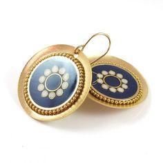 Dark blue earrings, gold disc earrings, dangle earrings, colorful... (200 ILS) ❤ liked on Polyvore featuring jewelry, earrings, long dangle earrings, 14k gold earrings, 14k gold jewelry, gold circle earrings and dangle earrings