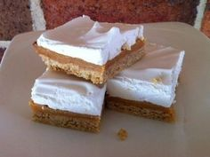 Caramel Marshmallow Slice - A sweet treat that will be a hit with those who love sweet slices. Great for parties and morning teas. Baking Recipes, Cake Recipes, Dessert Recipes, Desserts, Baking Hacks, Marshmallow Slice, No Bake Slices, Cake Slices, Good Food