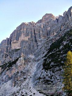 Dolomiti Agordine Cima Moiazza Mt 2875 (Belluno) Monti delle Alpi Italiane #TuscanyAgriturismoGiratola