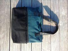 Borsa in tessuto di lana pied de poulle, fatta a mano, manici ecopelle. di jenniewabisabi su Etsy