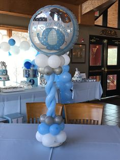 Balloon centerpiece Wedding Balloon Decorations, Balloon Centerpieces, Wedding Balloons, Balloon Garland, Baby Shower Decorations, Grey Nursery Boy, Baby Boy Nursery Themes, Baby Boy Nurseries, Fiesta Baby Shower