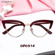 85ece642e5a8 This is a very delicate cat-eye glasses,made of high-quality plastic