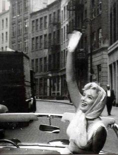 Marilyn Monroe NYC  June 12, 1957. Photo by Sam Shaw
