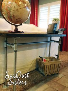 Industrial Sofa Table. Reclaimed Barn Wood | Sofa Tables, Barn ... Industrial Chic Wohnzimmer