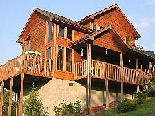 Pigeon Forge, TN: Pigeon Forge chalet rentals: Cozy Bear, Stonehenge Chalet 418 is a 2 bedroom, 2 bath cedar chalet located about 1 mile from downtown Pigeon Forge. Thi...