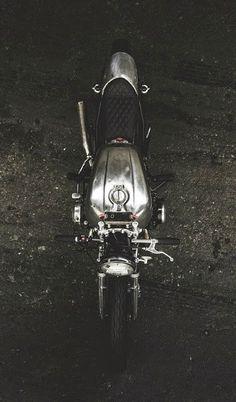 Honda CB 750 Cafe Racer design - Megacosm | www.caferacerpasion.com
