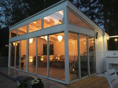 It is certainly surprising what they did with this particular design and plan. What a fantastic idea for a Outdoor Office, Backyard Office, Outdoor Rooms, Backyard Patio, Outdoor Living, Garden Log Cabins, Contemporary Garden Rooms, House Construction Plan, Gym Room At Home