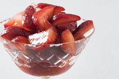 Macerated strawberries recipe, Bite – The process of maceration softens fruit extracting their natural flavours whilst drawing out a deliciously sweet jammy syrup Warren Elwin macerates some strawberries - Eat Well (formerly Bite) Strawberry Slice, Strawberry Recipes, Vegan Gluten Free, Vegan Vegetarian, Cheesecake Toppings, Natural Flavors, Delicious Desserts, Dishes