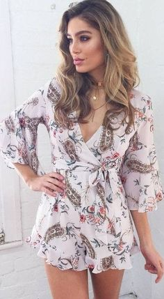 #prefall #muraboutique #outfitideas   Floral Feminine Playsuit