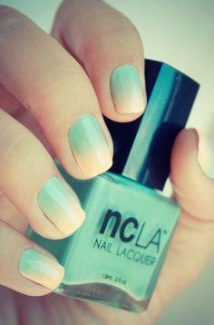 Ombré nails :)