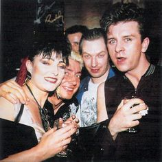 Siouxsie Sioux, Budgie, and Steve Severin of Siouxsie and the Banshees/Creatures with the late Steve Strange. I love you Steve ! Thanks for the music ! Siouxsie Sioux, Siouxsie & The Banshees, Paradise Places, Blitz Kids, Stranger Things Steve, New Romantics, Strange Photos, Cinema, Boy George