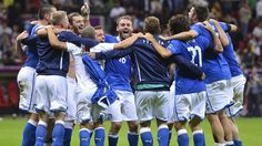 #azzurri - #Italy form a celebratory huddle as they rejoice at reaching the final against Spain on 1 July