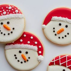Watch this step-by-step video and see how easy it is to turn cookies into adorable snowman treats. Roll Out Sugar Cookies, Sugar Cookie Royal Icing, Iced Cookies, Cut Out Cookies, Cupcake Cookies, Cupcakes, Snowman Cookies, Christmas Sugar Cookies, Holiday Cookies