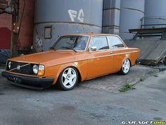 1990+Volvo+242 | volvo 242 orange