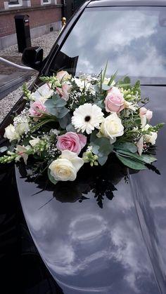 wedding car flowers @ Fleurts