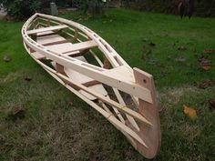 Wooden Boat Building, Wooden Boat Plans, Canoe And Kayak, Kayak Fishing, Kayaks, Canoa Kayak, Wooden Kayak, Classic Wooden Boats, Boat Lift