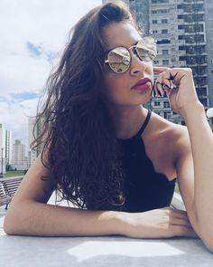 """58 curtidas, 5 comentários - Thaís Ferreira (@taahanjos) no Instagram: """"Cara de enjoada, mas sou legal hehe 🙈😝"""""""