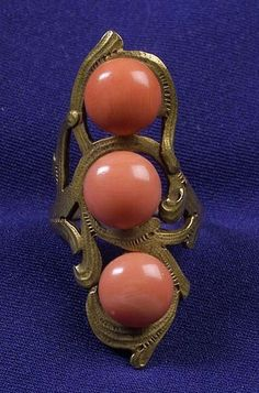 Art Nouveau 14kt Gold and Coral Ring