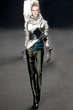 Haider Ackermann Fall 2011 Ready-to-Wear Collection Slideshow on Style.com