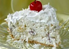 MILLIONAIRE PIE Makes 1 pie If you want to make 2 use all of the ingredients. ½ of ounce) package cream cheese, softened ½ of ounces) can sweetened condensed … Easy Desserts, Delicious Desserts, Cool Whip Pies, Tarte Caramel, Millionaire Pie, Biscuits Graham, Canning Cherry Pie Filling, Desert Recipes, Pie Recipes