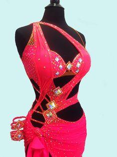 Vestido de baile latino