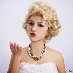 Stunning Blonde Neat Classy Curls 31c98__Curly-Vintage
