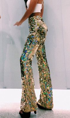 flared glitter pants - as picture / S Fashion Pants, 70s Fashion, Fashion Outfits, Womens Fashion, Disco Fashion, Looks Style, My Style, Halloween Kostüm, Looks Vintage