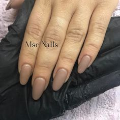 4 semanas después... Viva la manicura rusa! #mscnails #nails #uñas #ungles #ongles #nofilterneeded #nofilter #sinfiltro #lovenails #manicurarusa #russianmanicure #nikanagel #nikanagelspain #velvetnails #velvet #trendynails #uñasbarcelona #barcelonanails