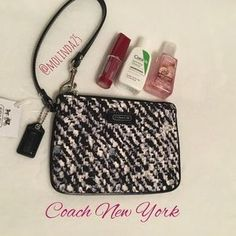Coach Handbags - HPSALE Coach Wristlet