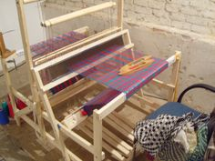 full pdf insructions for making a loom... Collapsible Loom at the KeyTo by Action Weaver, via Flickr
