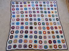 African Flower Square Blanket 2018 African Flowers, Square Blanket, Crochet Blankets, Quilts, Rugs, Instagram Posts, Collection, Home Decor, Farmhouse Rugs