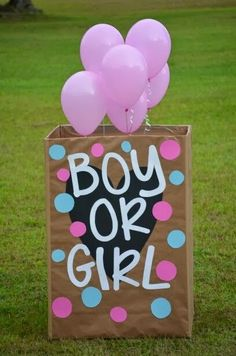 Boy or girl Gender Reveal balloon box Gender Reveal Box, Baby Gender Reveal Party, Gender Party, Simple Gender Reveal, Gender Reveal Balloons, Balloon Box, Gender Announcements, Invitation, Shower Bebe
