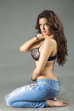Natasha Stankovic was born in Serbia. She is a Serbian actress, dancer and model. Now she is working in Bollywood. Natasha has appeared in many advertisements including Johnson and Johnson and Durex. Bollywood Actress Hot Photos, Bollywood Fashion, Bollywood Girls, Bollywood News, Cute Beauty, Beauty Full Girl, Beautiful Indian Actress, Beautiful Actresses, Hot Actresses