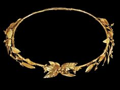 """vesperstella: """"Hellenistic gold olive wreath diadem, c. The diadem composed of sheet gold over a tubular core, decorated with several long spear-shaped leaves with impressed veins and. Roman Jewelry, Greek Jewelry, Jewelry Art, Gold Jewelry, Jewelry Design, Ancient Jewelry, Antique Jewelry, Viking Jewelry, Olive Wreath"""