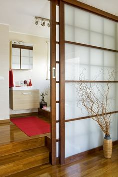 japanese sliding doors how to make one room into two Japanese Sliding Doors, Diy Sliding Door, Sliding Room Dividers, Room Divider Doors, Diy Door, Sliding Partition Doors, Door Dividers, Sliding Panels, Japanese Interior Design