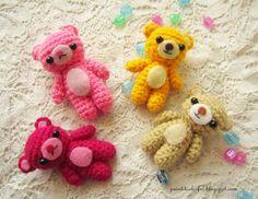 A little love everyday!: Mini Amigurumi Teddy bear, free crochet pattern, keychain, #haken, gratis patroon (Engels), mini teddy beer, sleutelhanger, #haakpatroon