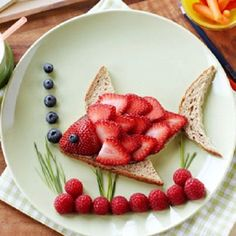 Toddler snack ideas- Super cute, but this presentation would last all of three seconds.