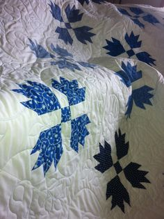 Traditional Bears Paw in Blue and White by MagpieQuilts