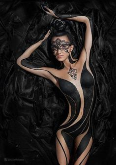 Body art - ✯ www.pinterest.com/WhoLoves/Body-Art ✯ #BodyArt