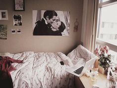 nice bedroom - but the position of the MacBook makes me so nervous!