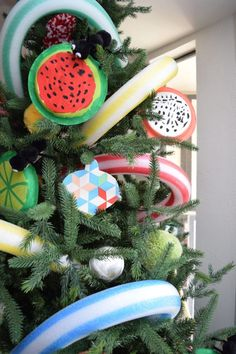 Celebrate National Picnic Month with a Picnic themed tree for Christmas in July!