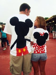 Mickey Minnie t shirt, love it! We need these shirts for Disneyland or Mickey Minnie parties to attend too! Disney Style, Disney Love, Walt Disney, Disney 2015, Disney Ideas, Disney Diy, Disney Magic, Disney Parks, Swag Couples